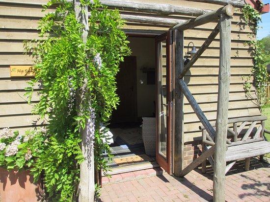 Cranbrook, UK: Hop Bine Studio entrance