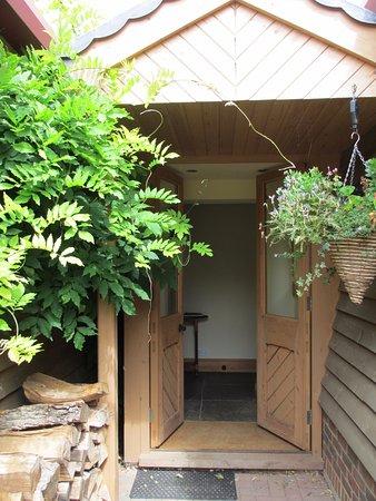 Cranbrook, UK: Hop Pickers Cottage entrance