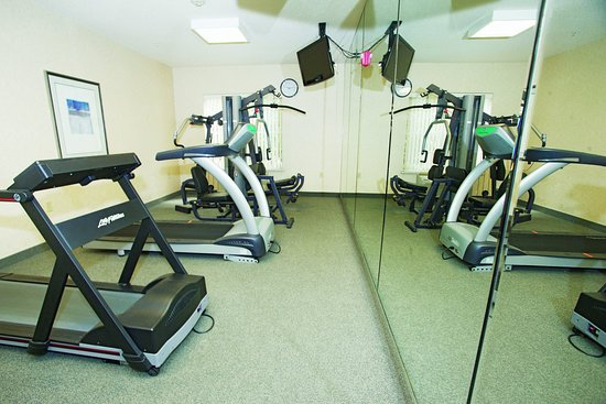 New Berlin, WI : Fitness Center