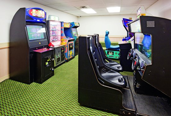 Glendale, WI: Arcade