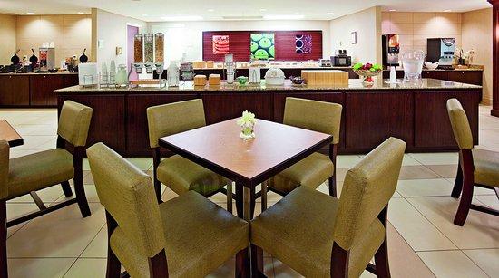 Glendale, WI: Breakfast Bar