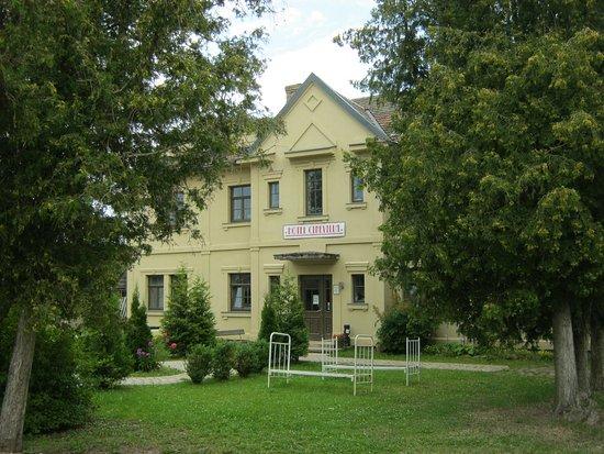 Tukums, Latvia: Декорации