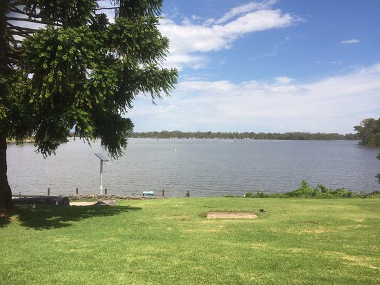 Nagambie, Australia: Lake View From The Road