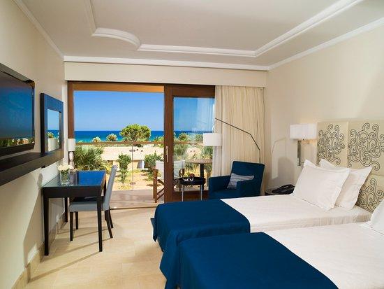 Kernos Beach Hotel