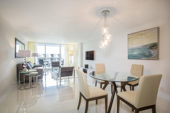 Doubletree by Hilton Grand Hotel Biscayne Bay: Condo Diningroom