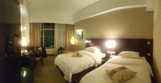 Lijiang Waterfall Hotel Photo