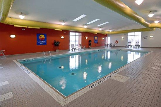 Cornwall, Kanada: Pool