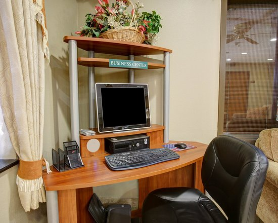 Comfort Inn Austin: Business Center