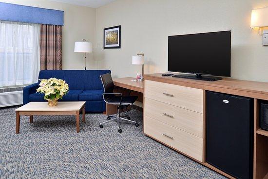 North Attleboro, MA: Executive Suite