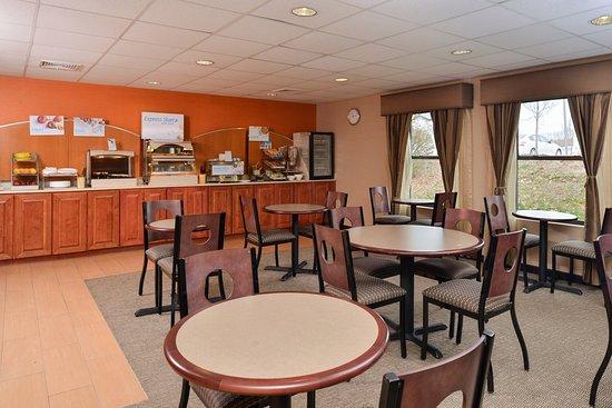 North Attleboro, MA: Breakfast Room