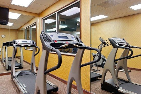Holiday Inn Express Suites - Malvern: Fitness Center