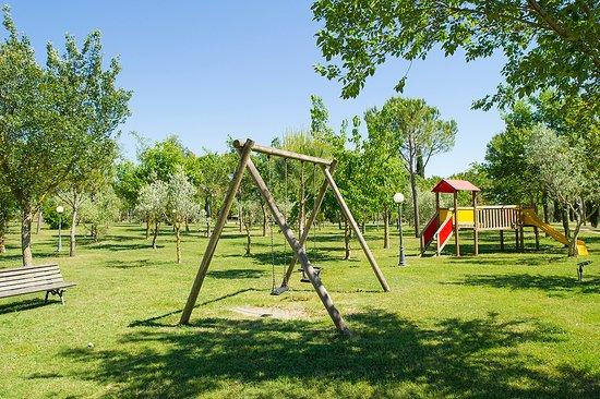 Principina Terra, Italien: Fattoria La Principina : Parco Giochi bambini