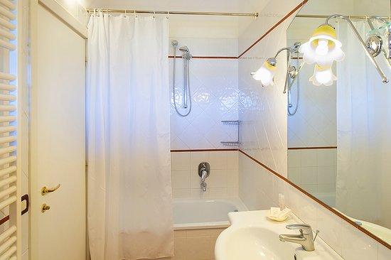 Principina Terra, Italien: Fattoria La Principina: bagno camera standard