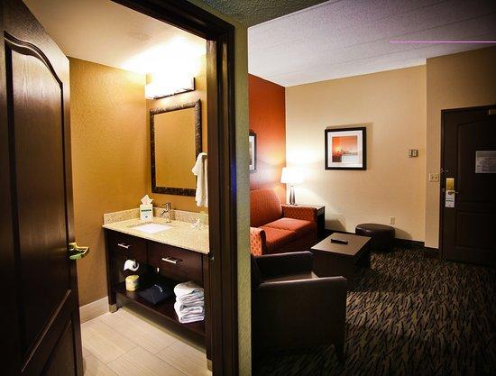 Holiday Inn Hotel & Suites La Crosse : Suite