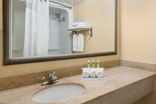Mechanicsville, VA: Guest Bathroom