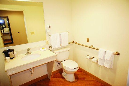 เจสซัป, แมรี่แลนด์: Bathroom