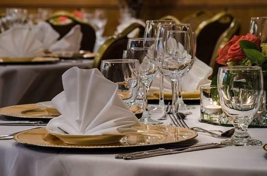 Beacon Hotel \u0026 Corporate Quarters Banquet Table Place Setting Detail & Banquet Table Place Setting Detail - Picture of Beacon Hotel ...