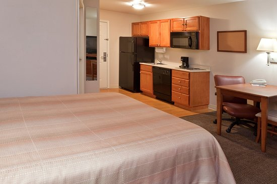 Candlewood Suites Polaris: Single Guest Suite
