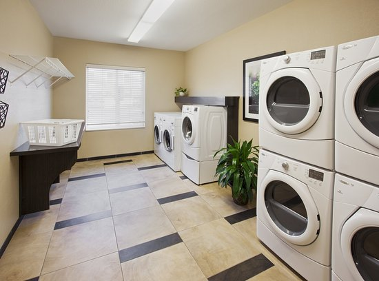 Candlewood Suites Orange County/Airport : Complimentary Laundry Facilities