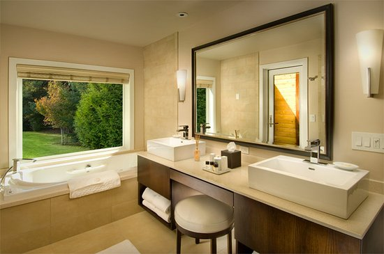 L'Auberge de Sedona: LAuberge Spa Cottage Bathroom