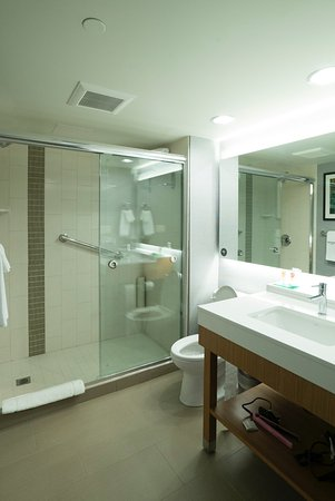 Bathroom Fixtures Edmonton Alberta poor quality workmanship and cheap bathroom fixtures. - picture of