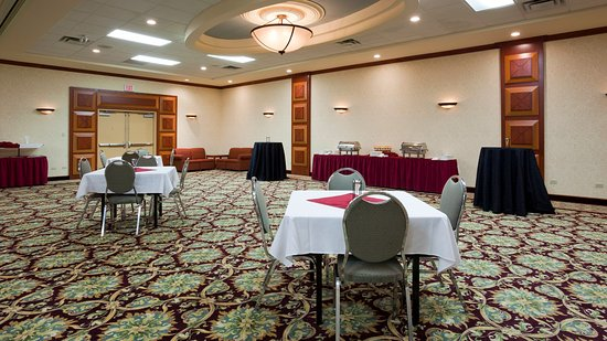 Holiday Inn Winnipeg - Airport West: Reception Style Set Up in our Ballroom