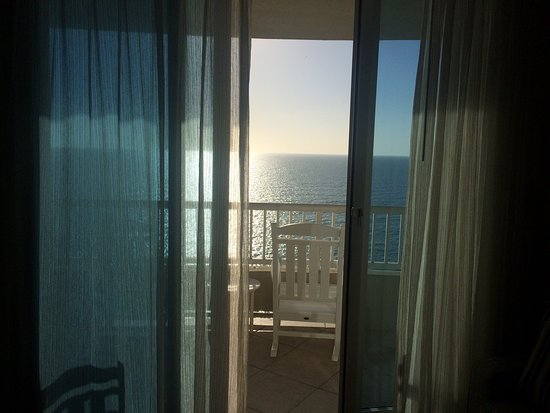 Lido Beach Resort: View from Room 1008 - Junior King Suite - beachfront - breathtaking
