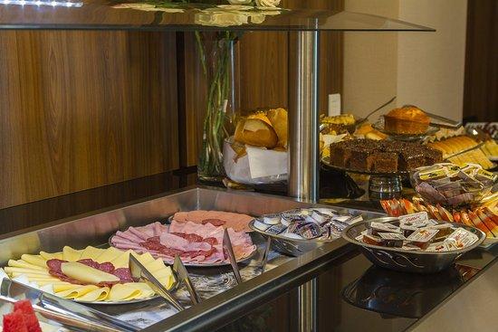 Picarras, SC: Itacolomi Hotel - Café da manhã