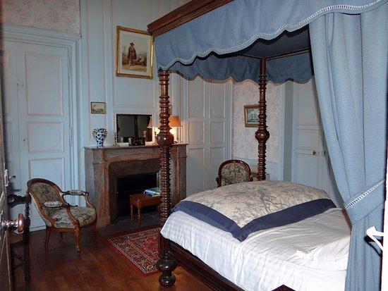 Château De Ternay Chambre Couedic Lit Double Standard à Colonnes - Lit double standard