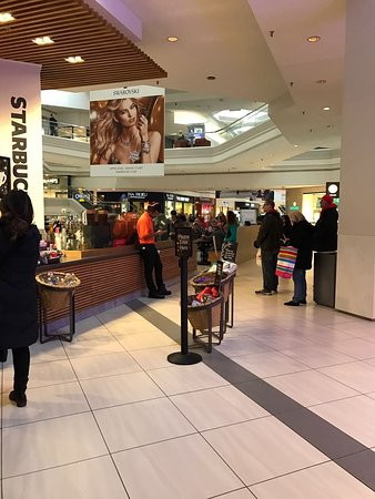 Woodfield Shopping Center - Picture of Woodfield Mall