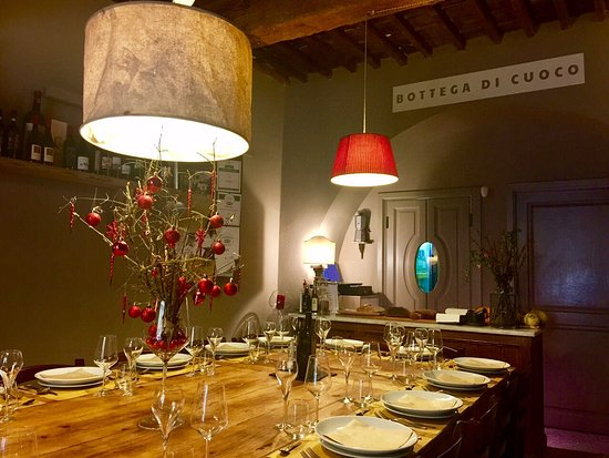Le Bindi : table room