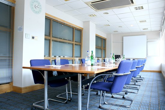 Holiday Inn Edinburgh City - West : A perfect meeting place...