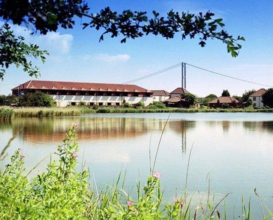 Bonnyrigg, UK: Lake View