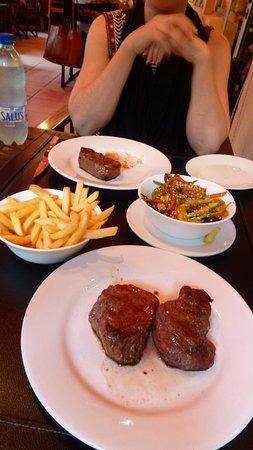 La Parrillita: Great steak and desserts