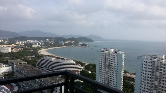 Sanya, China: Бухта Дадунхай, вид с 30 этажа отеля Barri. Очень красивое место.