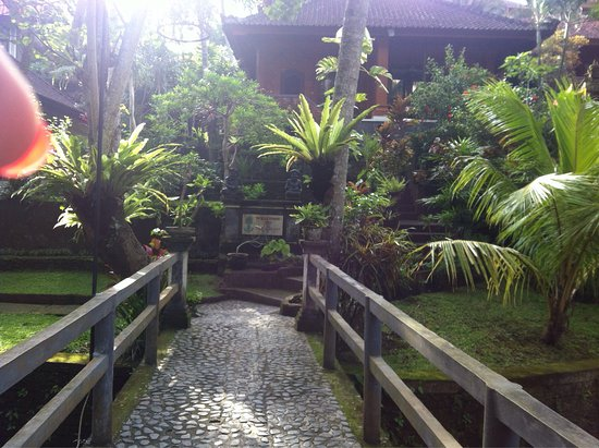 Nick's Pension: Nicks pension is one of my favourite hotels in Ubud,very peaceful, great gardens, excellent loca