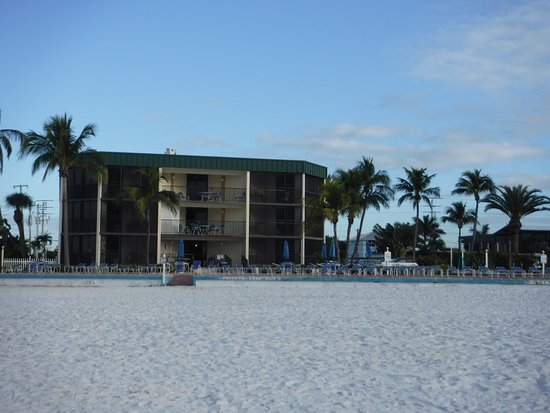 Estero Island Beach Club: photo3.jpg
