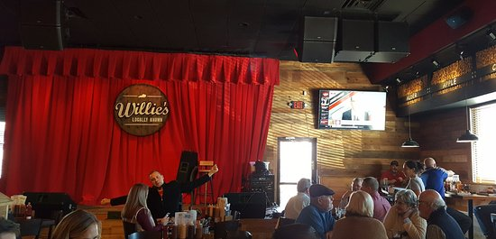 Willie's Locally Known: Stage for live music