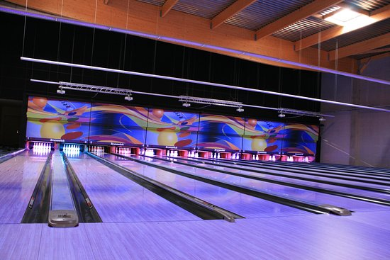 Bowling squash badminton padel et foot bild von le komplex