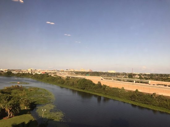 Hilton Palm Beach Airport: View of the lake and West Palm Beach downtown in the distance