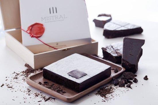 InterContinental Grand Stanford: Mistral Chocolate Cake