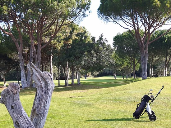 Balaia Golf Village: Very nice scenery and the course is in good shape