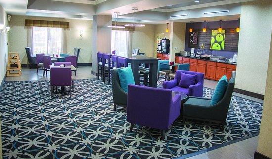 La Quinta Inn & Suites Temecula: Breakfast Area 2