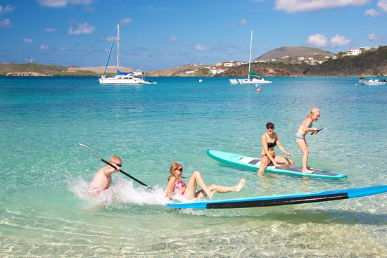 Benner, St. Thomas: kids on paddle boards