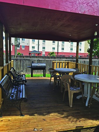 Deer Park, TX: Courtyard