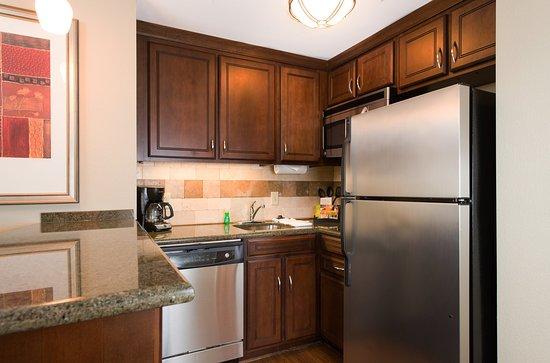 Staybridge Suites Columbia: Guest Room