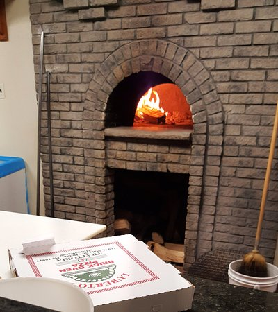 Dublin, Pennsylvanie : the wood burning brick oven