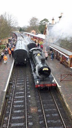 Kidderminster, UK : View from bridge Arley Station Xmas Eve