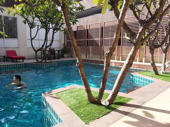 Furamaxclusive sathorn desde s 139 bangkok tailandia opiniones y comentarios hotel - Hotel bangkok piscina ...