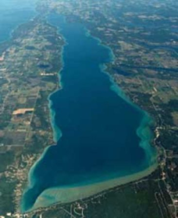 Bellaire, MI: Veiw of the Torch lake Sand Bar
